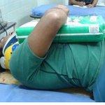 Via .@LaMaca27 Lo atropello una Moto, lo llevaron al hospital pero no solto los pañales hasta q llego la familia http://t.co/Dn173Qepeu