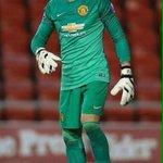 Victor Valdes debut bersama tim U21 semalam dengan kemenangan 2-1 atas Liverpool. http://t.co/nZh29E5Fwn