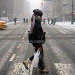 #NewYork shuts down as winter storm blasts US #NewYorkBlizzard #Newyorkstorm (http://t.co/ZHV5LrBSt4) http://t.co/y0kRSFED93