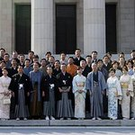「不謹慎」とは言わない。 この国会議員たちは「人でなし」だ。 5か月も前から拘束されていた湯川さんを救えず、惨殺された国の議員が晴れ着で記念撮影。 http://t.co/h6DWM0C04D http://t.co/69m2QsxS17