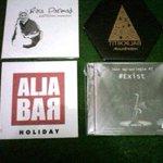 #musikSMG RT @herditotamami: Album Musisi Jazz Asli dari #Semarang @Aljabarmusic @AbsurdNation @JAZZNGiSORiNGiN http://t.co/wFaBqlMXf7