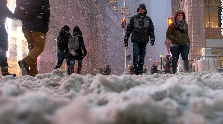 What does #blizzardof2015 look like? This is how the storm has been unfolding: http://t.co/pnaPczrbFY http://t.co/tm6qZm86RC