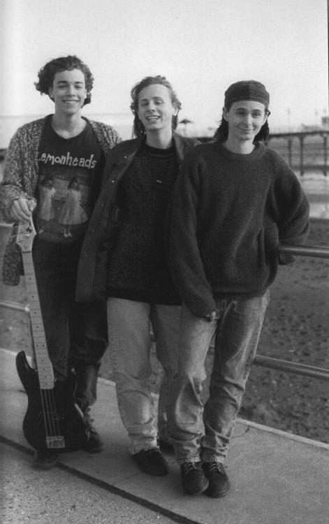 Muse elemanları, 17 yaşında. ~ sene 1995. O zamanlar isimleri Rocket Baby Dolls'du. http://t.co/NbU5plkIit