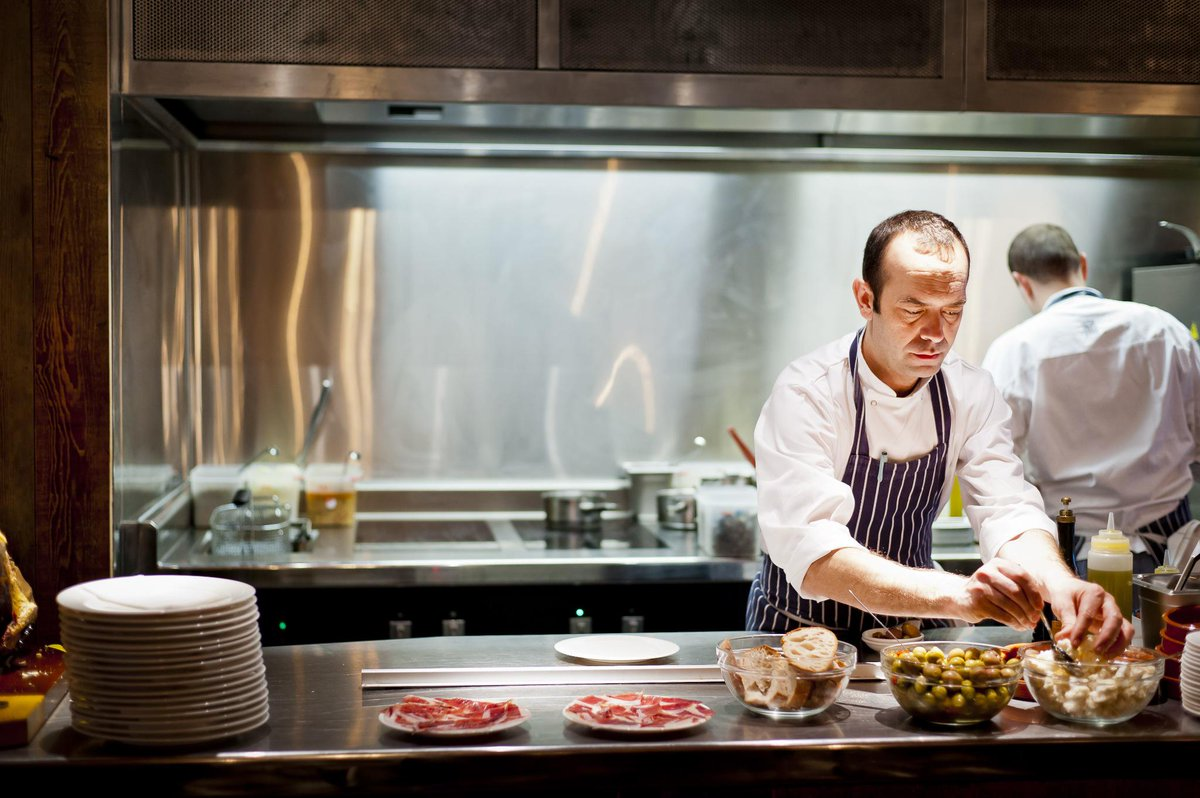 Delish news: sensational Spanish soon to be served at new city digs @Jose_Pizarro @JP_Broadgate http://t.co/yy6CIBVT6A
