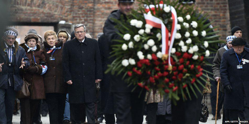 Wreaths laid by Auschwitz survivors on 70th anniversary of liberation http://t.co/ZncW751n0g #Auschwitz70 http://t.co/N6fvfSkF3f