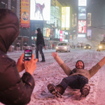 Una tormenta de nieve histórica paraliza Nueva York http://t.co/kHIb3gGTHr http://t.co/izw0YYYyF4