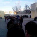 Los abonados del Alba hacen cola para adquirir su entrada gratis para el Alba-Tenerife http://t.co/n058Aw2iBD