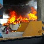 #Nacionales Auto se incendia en caseta de pago del Corredor Sur #Panamá -->> http://t.co/Ql6VRbvnsF http://t.co/cmJQGZYyYs