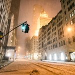 Empty New York City last night - Juno. Many PICS here: http://t.co/D0oMq7gJFL ❄ - #blizzardof2015 #juno2015 http://t.co/nDkZkxzvRF