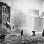 Men shovel snow from a Hartford street circa 1900-1930. Some things never change! From our @HartfordHist Collection. http://t.co/fH09sSuzsa