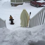 The Boston @2015Snowst is shoveling the streets in the #blizzardof2015 #BOSnow http://t.co/CaZo19ZLPb