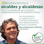 Hemos trabajado con los alcaldes y alcaldesas de Antioquia para construir una Antioquia más educada. Reconocimiento. http://t.co/R2Z4LiTgrV