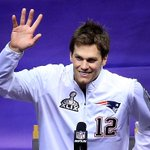 Even at #SBMediaDay, Tom Brady is still looking for that ever elusive high-five. http://t.co/FMy32dvRrG