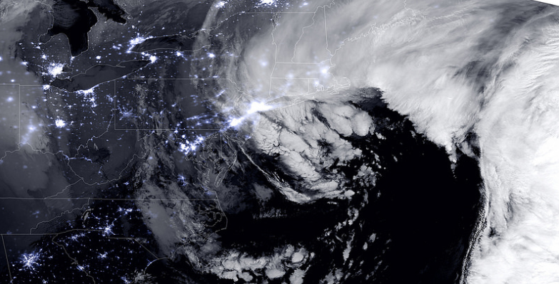 Stunning nighttime view of the #blizzardof2015: http://t.co/F1zxODCvwd via @NASANPP http://t.co/hLrnM1E6g7