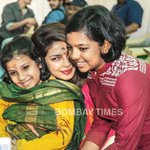RT @priyaguptatimes: Priyanka Chopra with Anurag Basu's daughters at his Saraswati puja...@basuanurag @priyankachopra