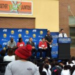 Curtiss Sarikey representing @OUSDNews at inspiring #GetFit @nbacares event with the @warriors yesterday! http://t.co/cENB8B8x3c