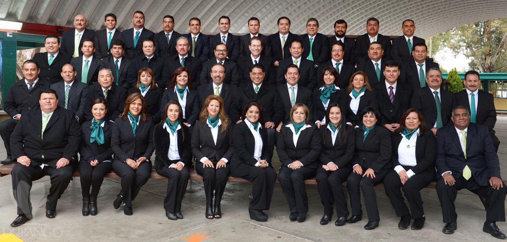 COBAED (@COBAEDoficial): Cumple Gobernador @JHerreraCaldera con apoyos a COBAED @chuycabrales @SEED_Dgo #SólolosMejores http://t.co/3O0kh6yOrZ http://t.co/dzAJugEP4a