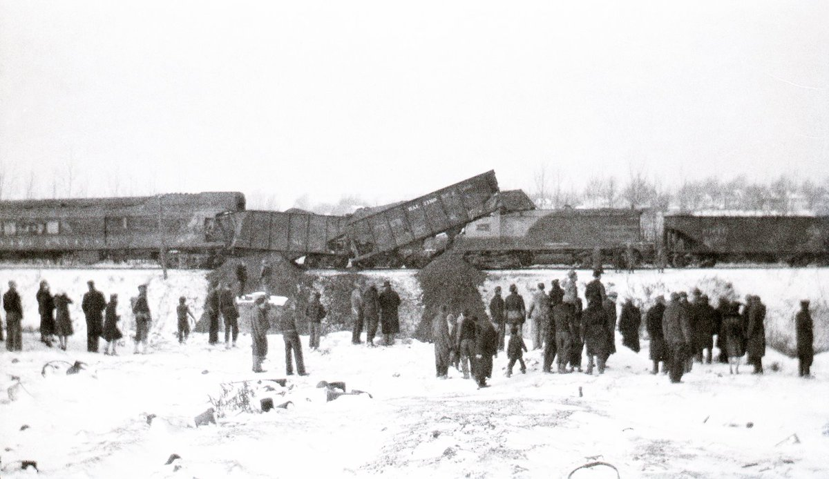 Today in #ROC history: 75 years ago, two trains collided head-on. That site is now a River Campus parking lot. #ROC http://t.co/1eQCCVWKfD