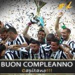 Twitter / @gianluigibuffon: Buon compleanno Capitano!! ...