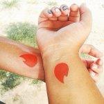 Casal que se conheceu no Tinder faz tatuagem com símbolo do aplicativo http://t.co/4NBhOrv7wz http://t.co/t3JGAHfxQC