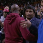 Pacquiao & Mayweather met, Manny gave Floyd his cell number to discuss a fight themselves http://t.co/N9LoJ7ZOMK http://t.co/4JtMWHWsjQ
