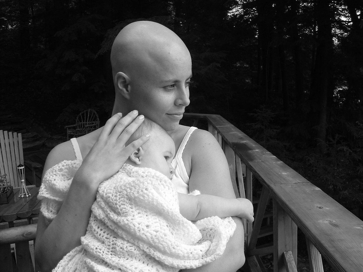 It's #WorldCancerDay & here's my #NoHairSelfie (12yrs ago, during my treatment). Happy to be here to share it. http://t.co/nNwiXQkM5h