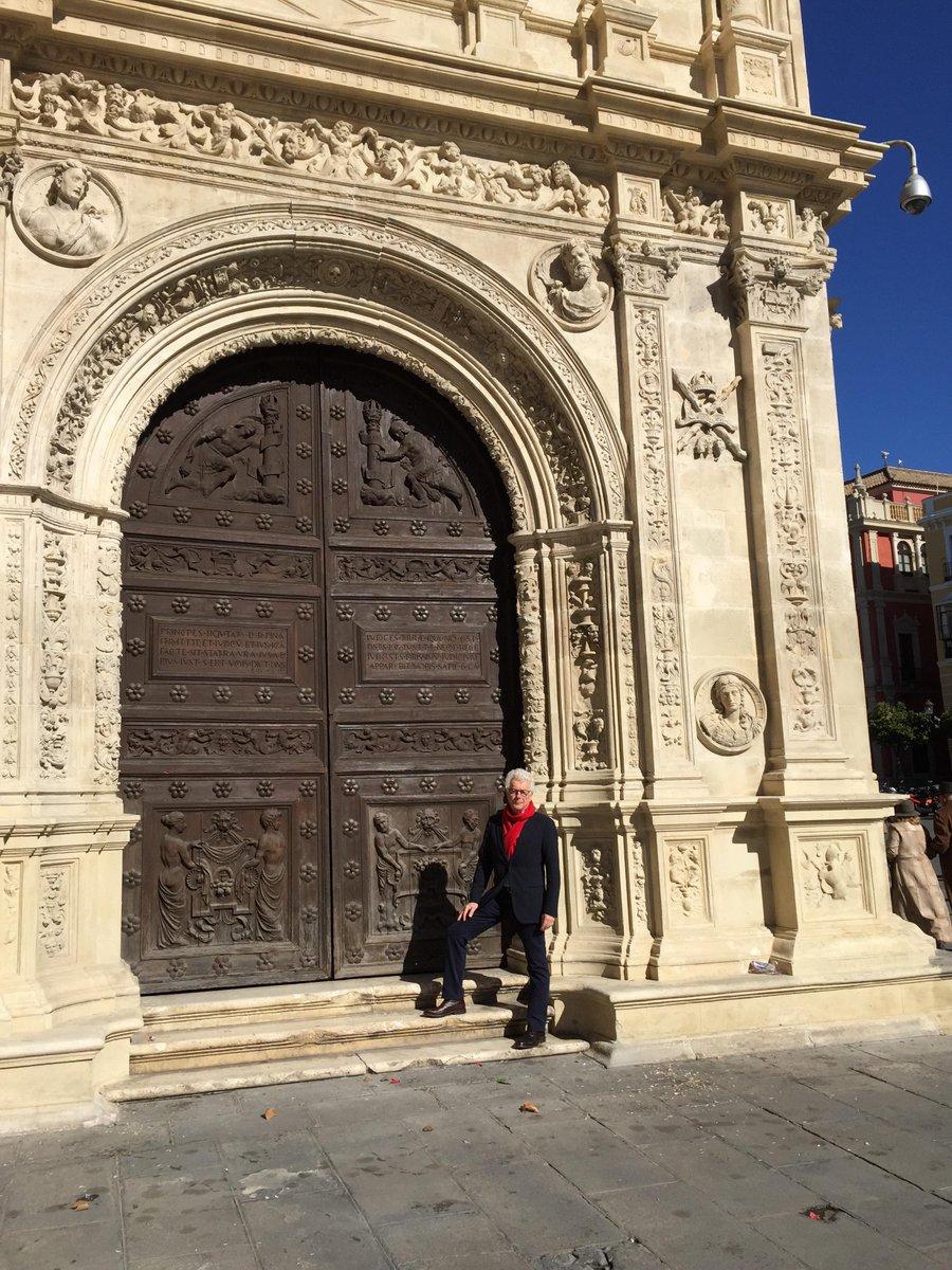 Seville's old town hall, built. 1527. http://t.co/pfDBSZLswX