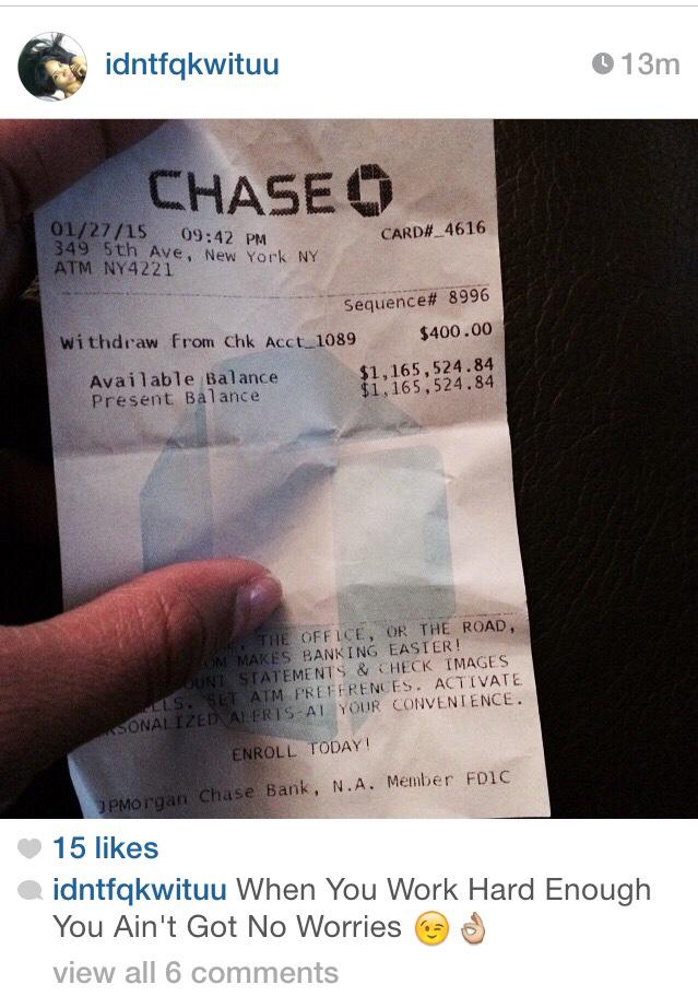 "That ain't her receipt with them chipped nails ""@DillonJaden: WOW. RT @HennyHeathen: Ya scammers gotta chill http://t.co/Nkr9ox3zwg"""