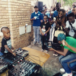 Watch a 2-year-old DJ  http://t.co/Veel02Dgne http://t.co/ANSlGOOx15