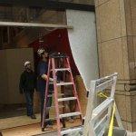 Twitter / @Reuters_co_jp: 米歴史博物館で19世紀の金塊強奪、窃盗団は車でドアに ...