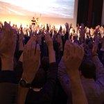 Nee, dit is geen opwekkingsbijeenkomst. Dit is #TEDxZwolle #Pilatus wees ook zuinig op je lichaam! http://t.co/BtN3BJXZHO
