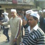 विश्वास नगर में डाॅ अतुल गुप्ता के साथ पदयात्रा। http://t.co/gOZKxnmbkQ