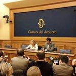 #Quirinale: Conferenza Stampa congiunta #FdIAN e Lega Nord con @GiorgiaMeloni e Matteo Salvini http://t.co/ErnO9zWH76