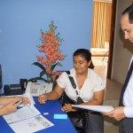 Direct @CNE_JorgeDavila recibe inscripción para veeduría de Victoria Azuero Vilela (Santa Rosa) @PresidenciaCNE http://t.co/jWWQjZGQap