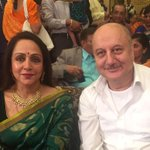 Met Hema ji - One of the most graceful ladies of Hindi Film Industry.:) http://t.co/qZL8B6p42I