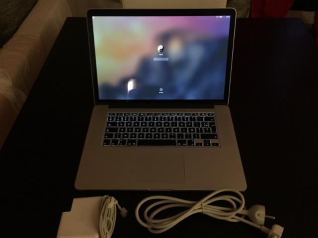 """Vends: #MacBook Retina 15"""" haut de gamme, avec chargeur -SSD de 250 Go -I7 2,3 Ghz -8Go Ram -carte graph. 650M  #RT http://t.co/FFIldFcOvS"""
