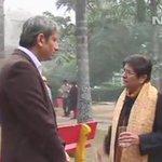 पब्लिक डिमांड पर एक बार फिर रवीश कुमार का किरण बेदी के साथ इंटरव्यू  देखें - http://t.co/eLmK8Mt7og  #RavishAsksBedi http://t.co/EFyL3NnUJz
