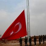 Twitter / @solhaberportali: Kobani sınırına Türk bayra ...