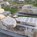 Twitter / @Cemtekell: Işid, türbe ve mezar taşla ...