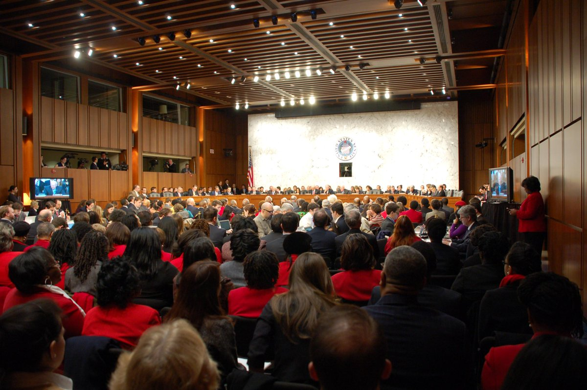 Great to see Delta Sigma Theta @dstinc1913 trademark red in the room/support for fellow sorority sister #LorettaLynch http://t.co/TI0WpAVaXS