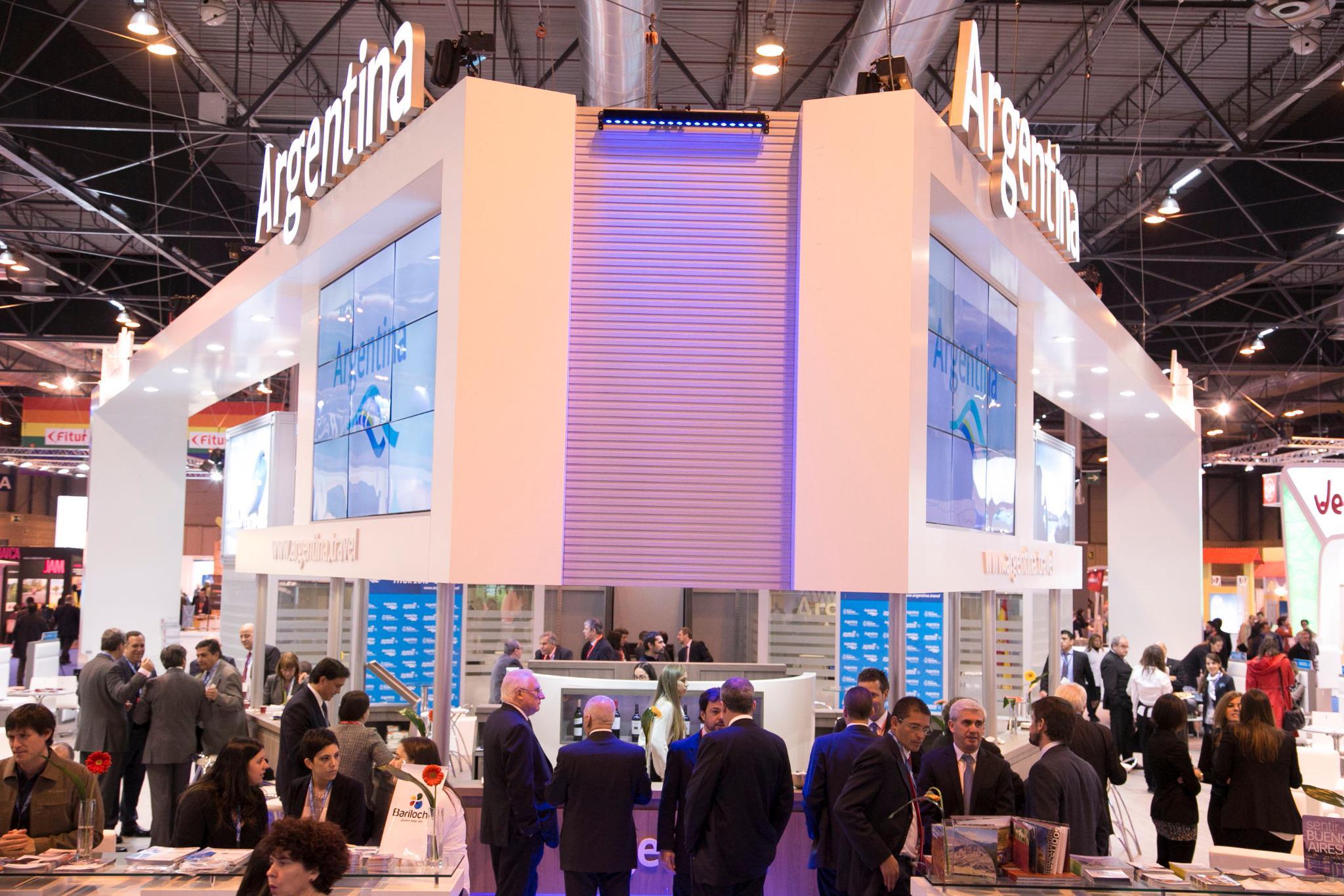 RT @InproturArg: Más imágenes de la presencia Argentina en #FITUR2015 @compartiendotur @minturprensa @mensajeronline @ReportEnLinea http://t.co/2ryrBZjQy3