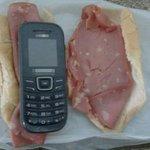Homem furta celular e esconde dentro de pão com mortadela em SP http://t.co/3YNMGIiX2z #G1 http://t.co/wr0YhCKS4C