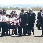 En un avión de la Fuerza Aérea Hondureña, llegó al país el mandatario Juan Orlando Hernández. #CELAC2015 @nacion http://t.co/QXiGToVmT0
