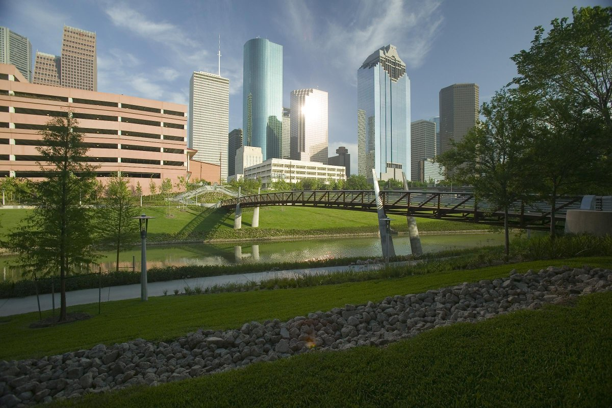 Houston makes a comeback, steals No. 1 spot on @Forbes' fast-growing list from this city: http://t.co/CmBc2zfo5r http://t.co/q6W567EChR