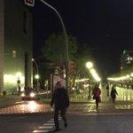 Plaça Imperial Tarraco #Tarragona. El semáforo no funciona (otra vez). Peatones jugándose el tipo. Mal @TGNAjuntament http://t.co/U9h1VofM0M