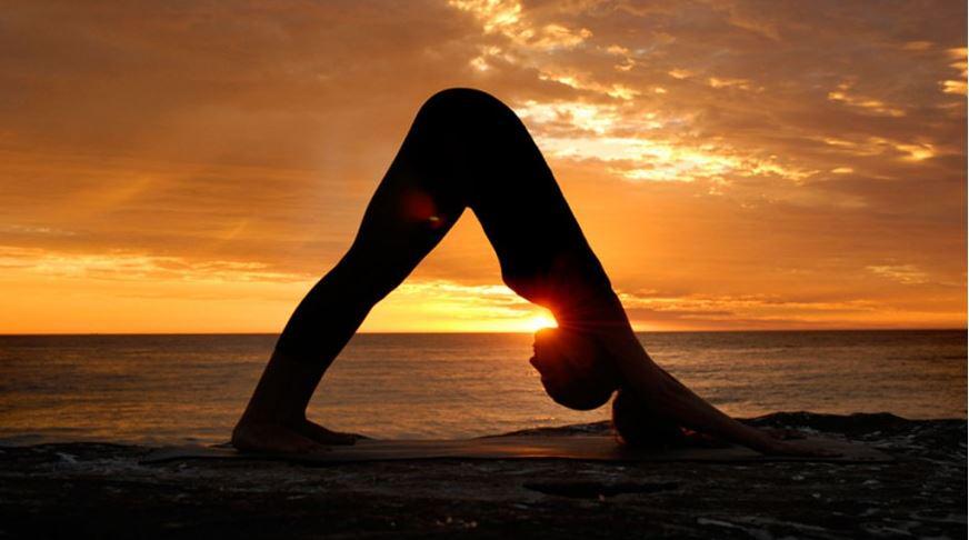 Scientific studies suggest yoga can help treat depression and anxiety. #BellLetsTalk http://t.co/KddcqbZMdj http://t.co/ov6yzzFVOq