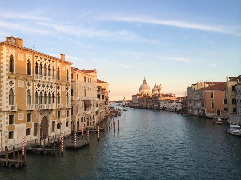 Gorgeous. MT @CristianBonetto: The inspiration never ends. Afternoon light over the Grand Canal, #Venice #lp #travel http://t.co/u0wr2AJaSS