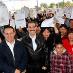 Con gran satisfacción entregue títulos  de propiedad a vecinos de la colonia Solidaridad en SLRC. #GobiernoSonora http://t.co/9i1y86r3pX