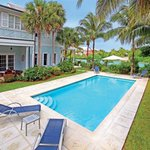 Bahamas #RealEstate for Sale | Home at Old Fort Bay Beach Island Nassau Bahamas - http://t.co/UHhm3A17aM #BMRTG http://t.co/8rckGXkUwg