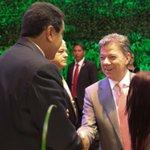 .@NicolasMaduro y .@JuanManSantos, un saludo entre dos países hermanos #CELAC2015 http://t.co/tsULv2qwbn #SomosAlegriaSomosMayoria